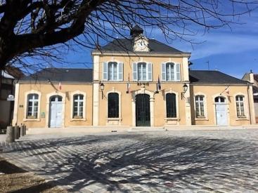 SAINT DENIS DE JOUHET Aménagement de la place de l'église J.Quatrepoint et C. Dubost BET DB